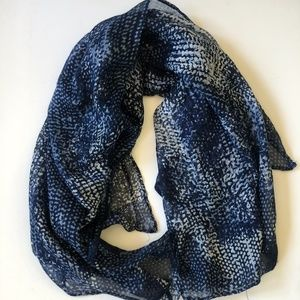 Le Chateau Blue & White Patterned scarf